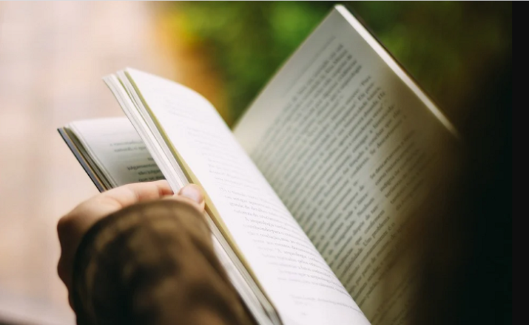 Benefits of reading books daily