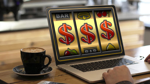 What makes online slots interesting?